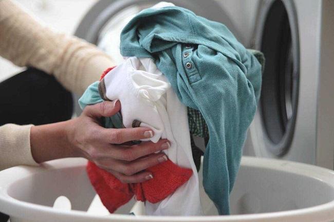 Giặt quần áo bơi trong máy giặt