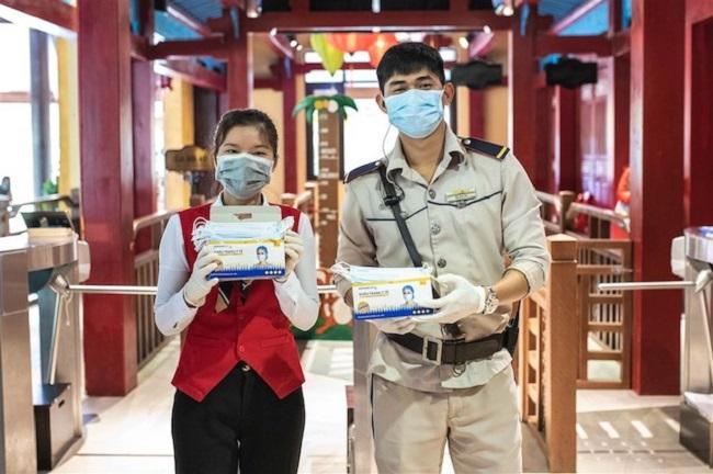 Đeo khẩu trang mọi lúc mọi nơi nhằm phòng tránh lây lan dịch bệnh