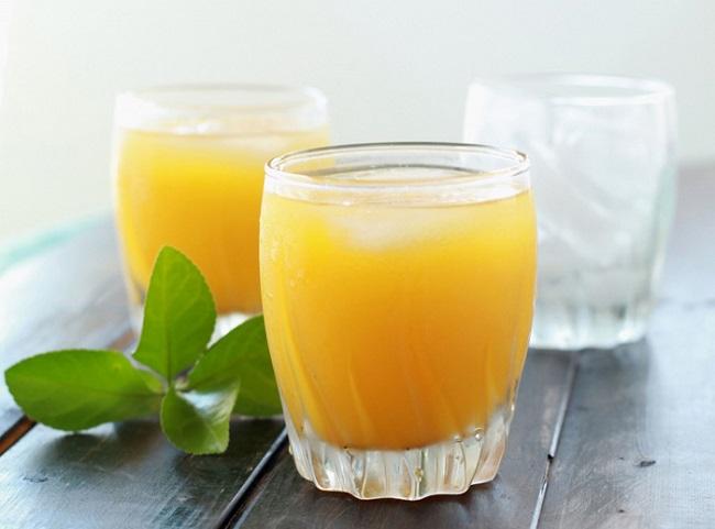 Một ly nước cam cung cấp vitamin C cho cơ thể