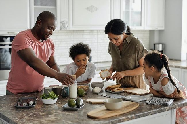 Phòng bếp là nơi sum họp của gia đình sau một ngày dài làm việc