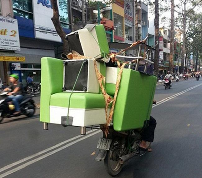 Xe máy chuyển nhà