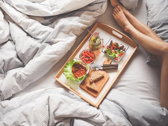 Không mang đồ ăn vào phòng ngủ