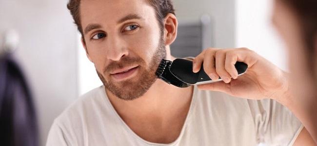 Nhiều người có thói quen cạo râu khô vì nó tiện lợi