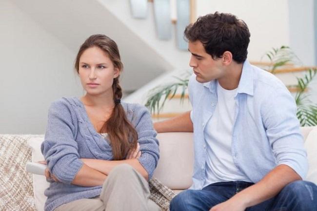 Sử dụng giường ngủ cũ về lâu dài sẽ xảy ra cãi vã giữa vợ chồng.