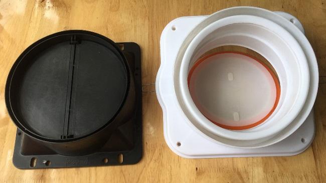 Thiếu hoặc lắp đặt van 1 chiều của máy hút mùi sai vị trí