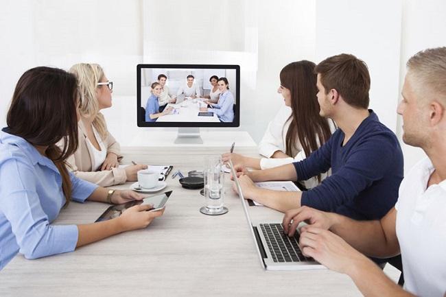 Kiểm soát thời gian nói, ưu tiên nội dung quan trọng khi họp