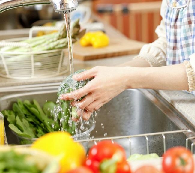Sơ chế sạch trước khi bảo quản